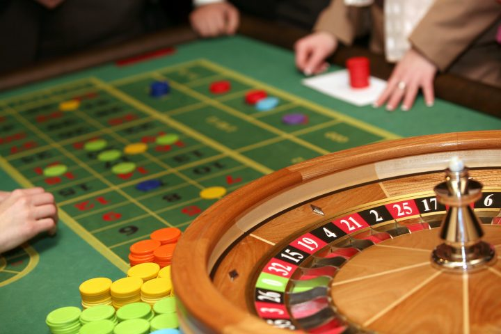 Why Everyone Seems To Be Lifeless Fallacious About Casino