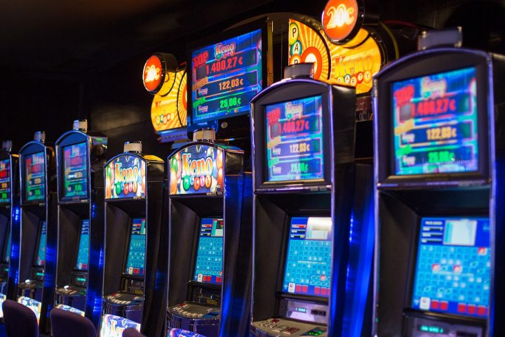Online Slots Far By Perform On The Net!