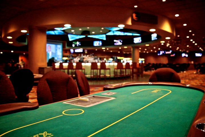 Ten Ridiculously Easy Methods To Enhance Your Gambling
